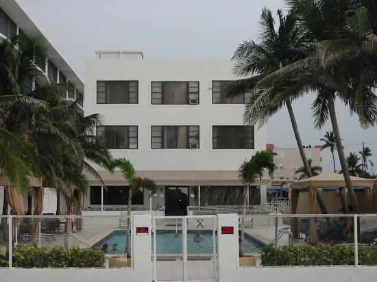 The Mimosa Hotel: rear of the hotel from the beach