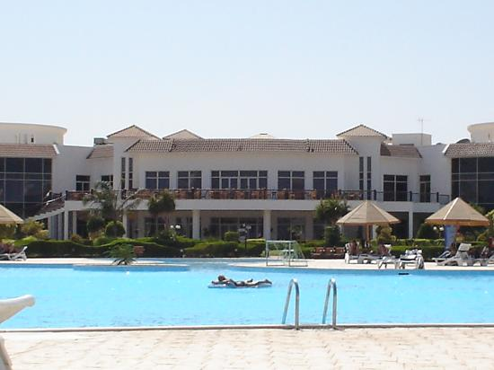 Grand Seas Resort Hostmark: View of pool and main building