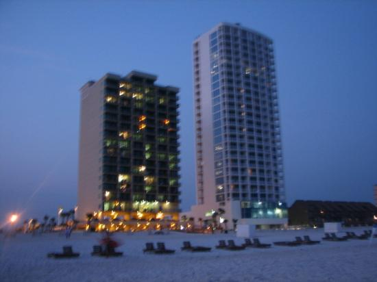 Phoenix All Suites Hotel West: picture of hotel from the beach