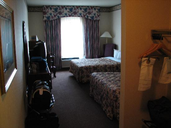 BEST WESTERN PLUS Trail Lodge Hotel & Suites: another view of the room