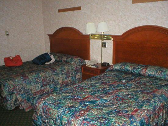 Days Inn Fort Lee South: Our room in 2006
