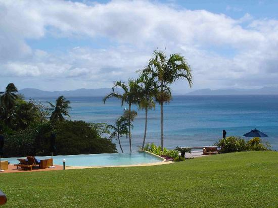 Taveuni Island Resort & Spa: View of the pool from the restaurant