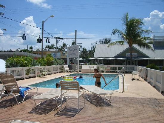 The pool picture of spanish gardens motel key west for Chelsea pool garden key west