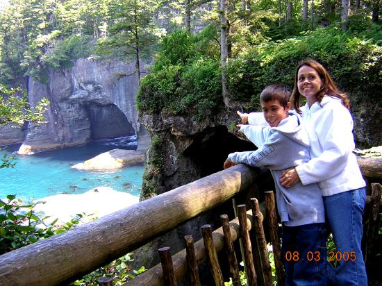 Van Riper's Resort: Cape Flattery sea caves
