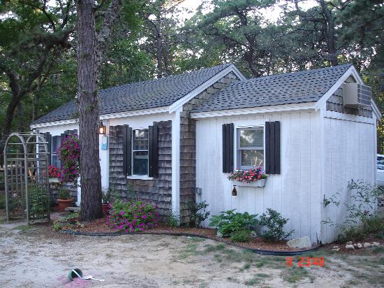 Yarmouth Country Cabins: our cabin