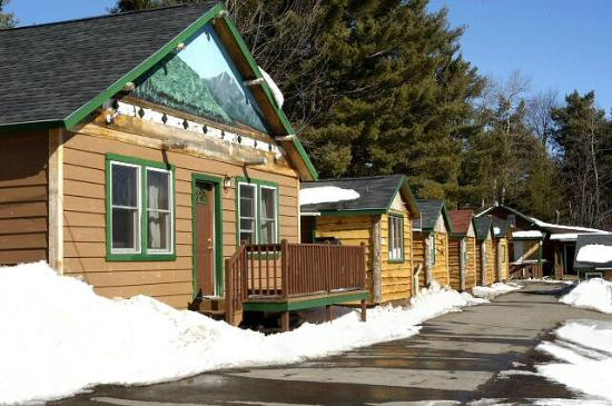 Cobble Mountain Lodge: Large & Small Cabins