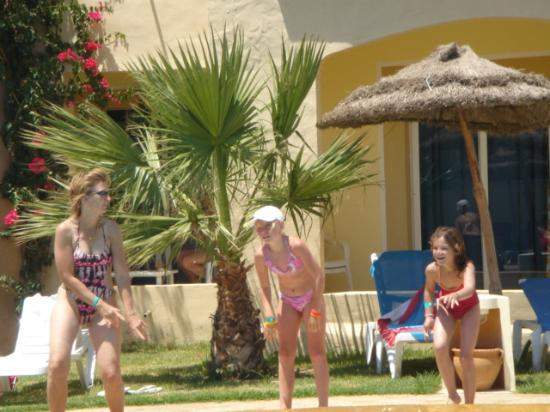 Sun Beach Resort: la danse du club