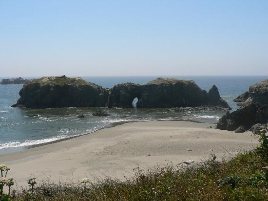 Bandon, OR: An arch rock