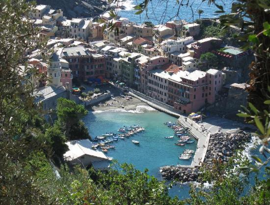 - view-of-vernazza-while