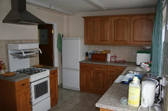 Mulberry Accommodation: Kitchen