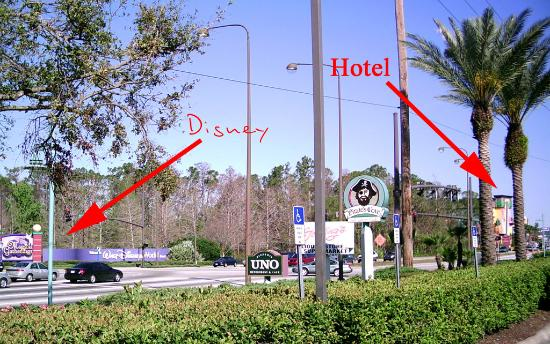 Orlando Vista Hotel: It&#39;s *that* near to Disney