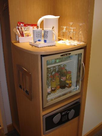 Novotel Berlin Am Tiergarten: Coffee & tea maker