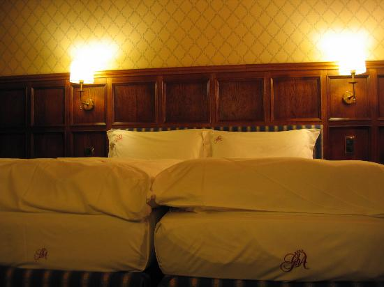 Grand Hotel des Alpes: beds
