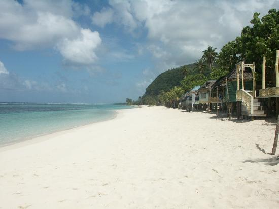 Apia, Samoa: One of Samoa&#39;s beautiful beaches