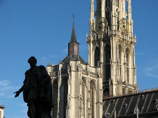 Ibis Styles Antwerpen City Center: Antwerp Old Town is certainly worth a look..