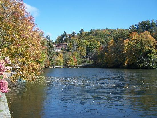 Blowing Rock, NC: The lake view