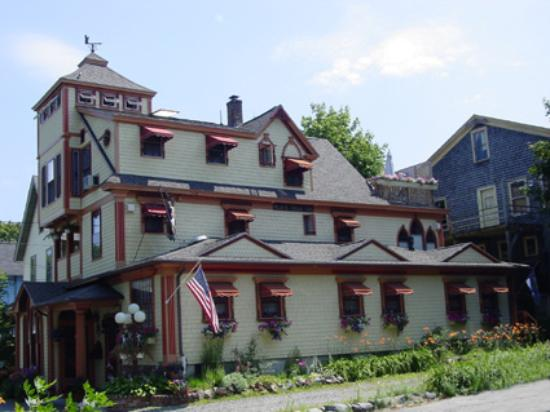 Pic of the Black Friar Inn
