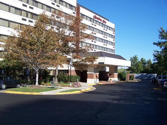 Wingate by Wyndham Springfield: front of hotel