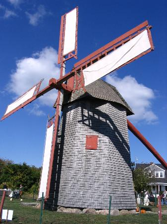 Nantucket, MA : Old Windmill
