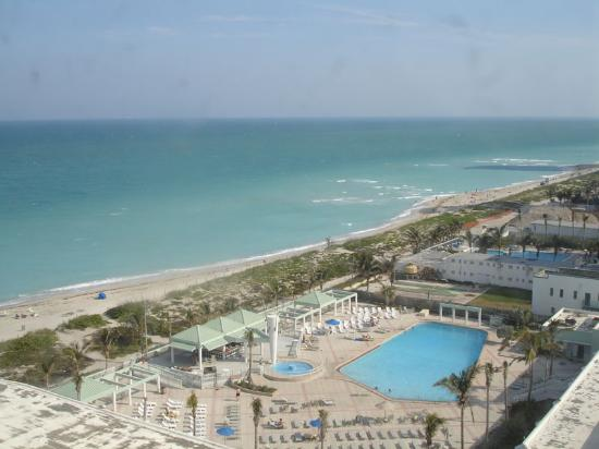 Miami Beach, FL: The view from our room