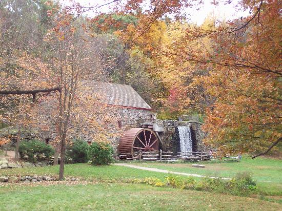 Longfellow&#39;s Wayside Inn: The Old Grist Mill