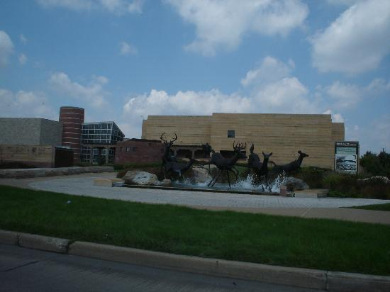 Indianapolis, IN : Front of Eiteljorg Museum