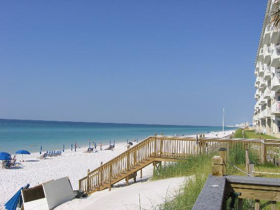 Destin, : Going to the beach