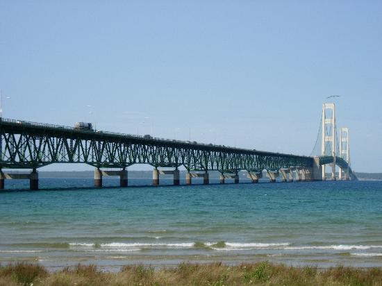A view of the &quot;Mighty Mac&quot; from Mackinaw City.