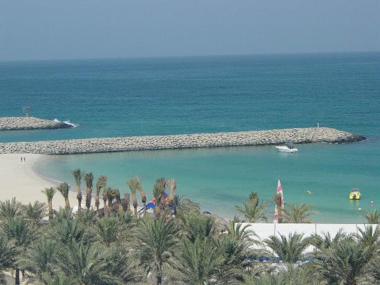Dubái, Emiratos Árabes Unidos: Beach view from Sheraton hotel balcony