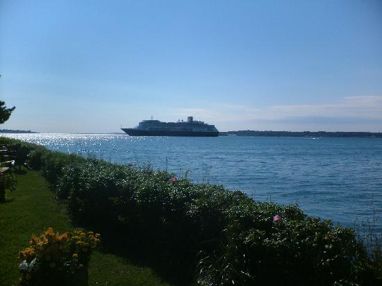 Newport, RI : Cruiseship in the Bay