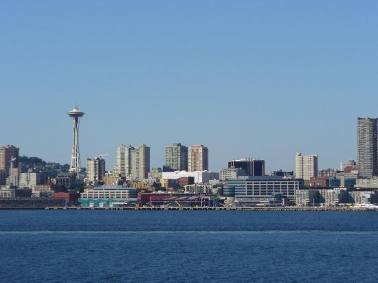 Seattle Skyline w/Space Needle