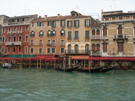front of hotel picture of hotel florida venice. Black Bedroom Furniture Sets. Home Design Ideas