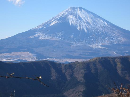 'Mount Fuji' from the web at 'http://media-cdn.tripadvisor.com/media/photo-s/00/18/ab/c2/mount-fuji.jpg'