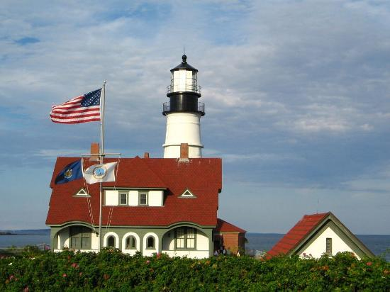 South Portland, Мэн: Portland Lighthouse, full view