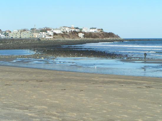 Hampton, NH : Houses on beach