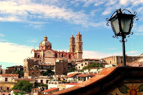 Taxco, Mexiko: view from the resto ( on a terrace)