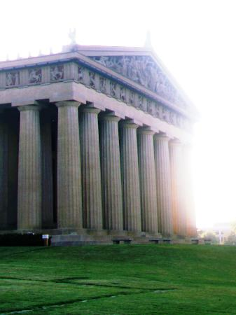 Nashville, TN : The Parthenon at Sunset