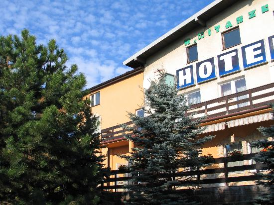 Czosnow hotels