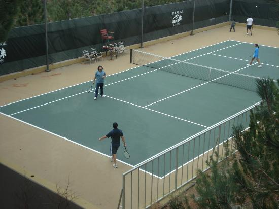 Ridge Pointe Tahoe: Tennis Courts
