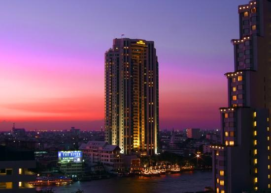 Centre Point Silom : View from bedroom