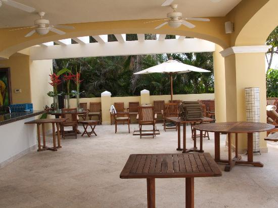 Casa Velas: beach club resturant which is set up beautifully at night with white linens