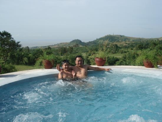Thunderbird Resorts - Rizal: Jacuzzi