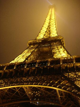 Ecole Centrale Hotel Paris: Eiffel Tower at night