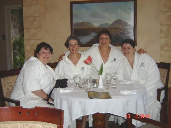 Ste. Anne's Spa: Relaxed and having a great time.
