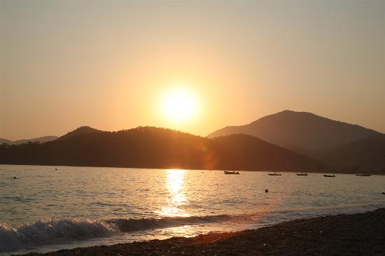Hotel Meri: Sunset Over Olu Deniz