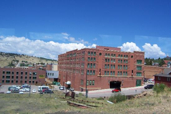 cripple creek black singles While black hawk, colorado seems to have drifted more to the larger more vegas style casinos, the town of cripple creek has maintained its gold mining town feel there is a certain friendliness to cripple creek that draws people here.