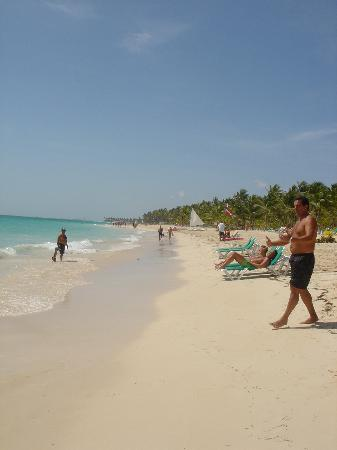 Riu Palace Punta Cana: Look at that beach