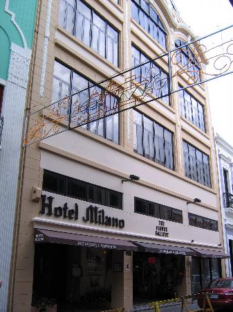 Hotel Milano: Front Facade