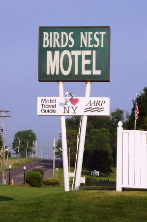 The Bird's Nest Motel Photo