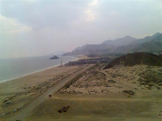 Fujairah, Förenade Arabemiraten: view iberostar from meridien ahaq